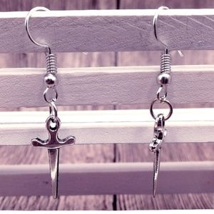 Jewelry - ⭕️Mix&Match SALES Handmade Dagger Earrings